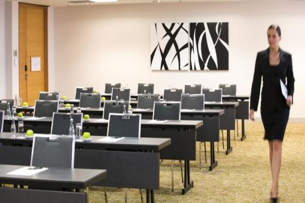 pan-pacific-perth-conference-classroom.jpg