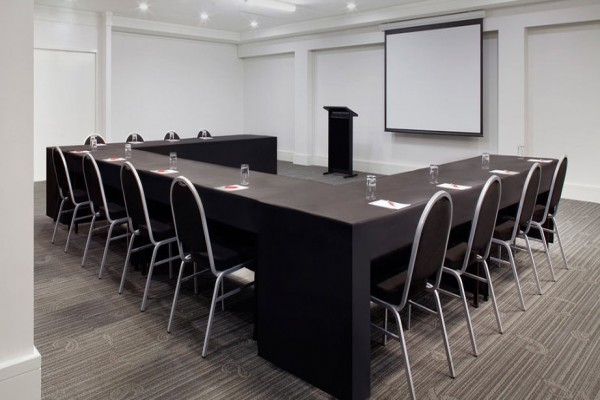 rendezvous-studio-hotel-perth-conference-room-u-style.jpg