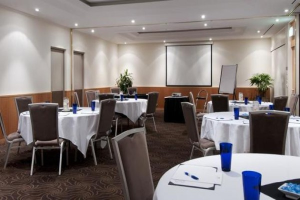crowne-plaza-perth-conference-room.jpg
