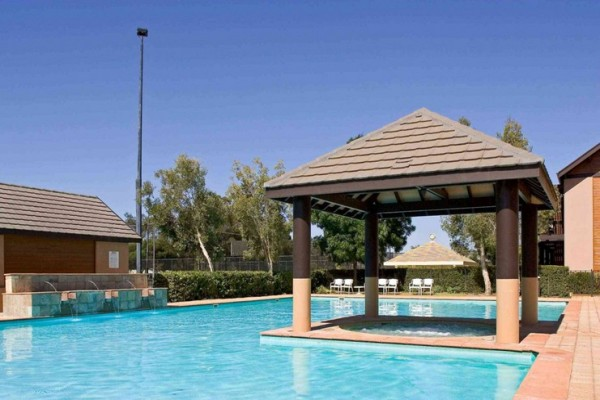 novotel-swan-valley-vines-resort-pool.jpg